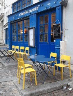 lEbouillanté sur des rues pavees du vieux paris